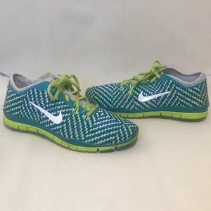 Nike Free Training shoes - Size 9.5 teal Like new
